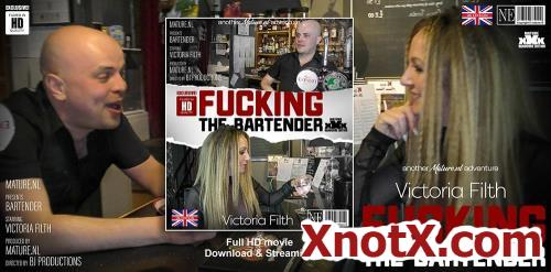 Victoria Filth (EU) (33) / Victoria Filth is fucking a bartender at work (FullHD/1080p) 09-01-2021